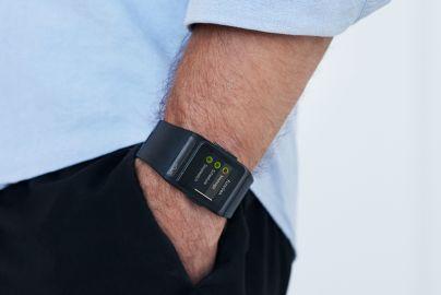 Sportsur med pulsmåler, skridttæller og GPS