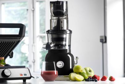 KITCHEN MASTER SLOWJUICER