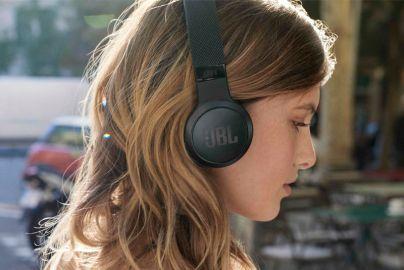 JBL Trådløse on-ear hovedtelefoner - LIVE 400BT