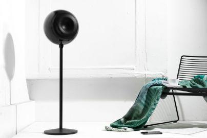 Hi5 bluetooth højttaler på fod - sort 105 cm